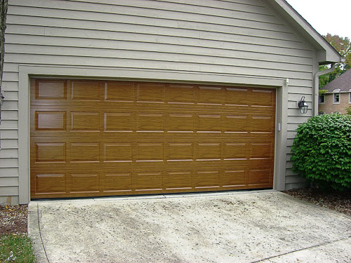 Gallery of garage doors nofziger doors 614 873 3905 for Dublin garage door repair