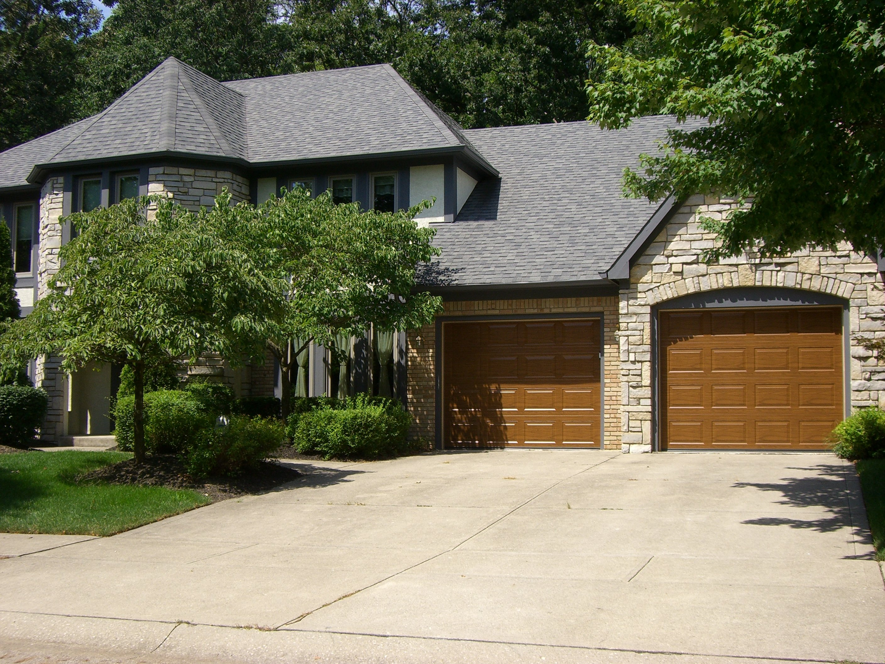 Vancalberghb; multiple garage doors & Residential Garage Doors Columbus | Nofziger Doors (614) 873-3905